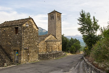 St Peter's church, Larrede